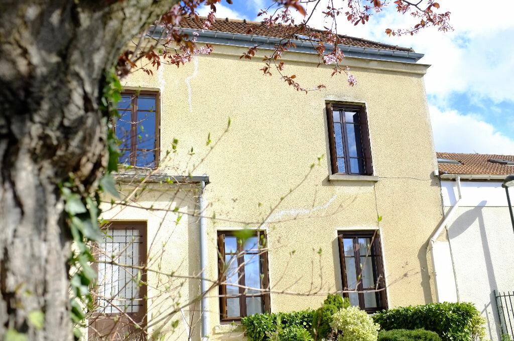 Achat Maison 4 pièces à Le Chesnay - vignette-1