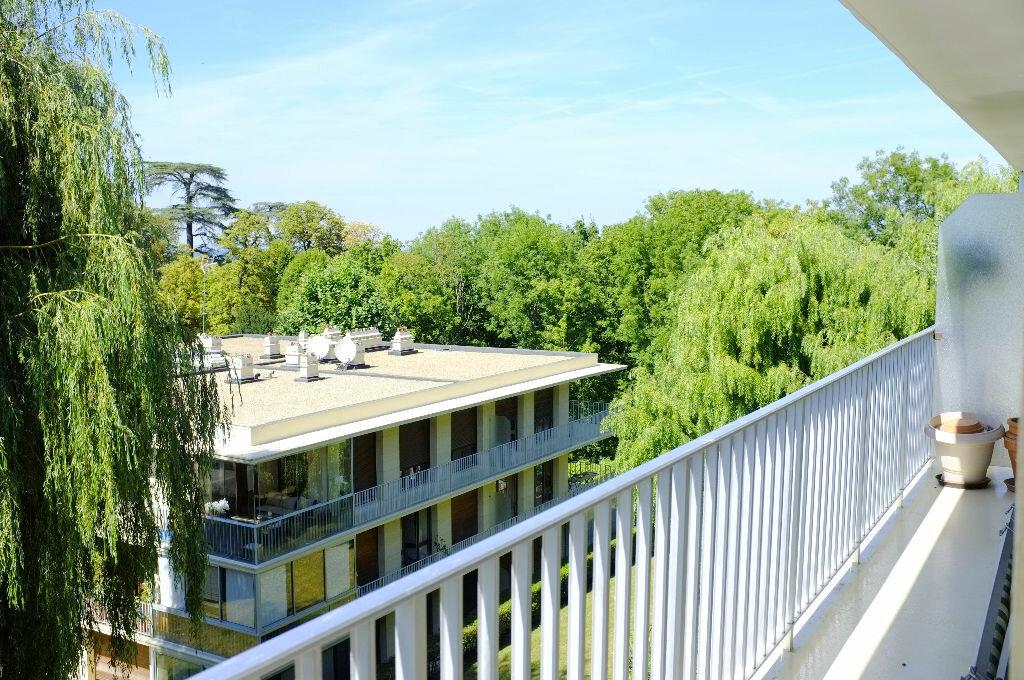 Achat Appartement 3 pièces à La Celle-Saint-Cloud - vignette-1