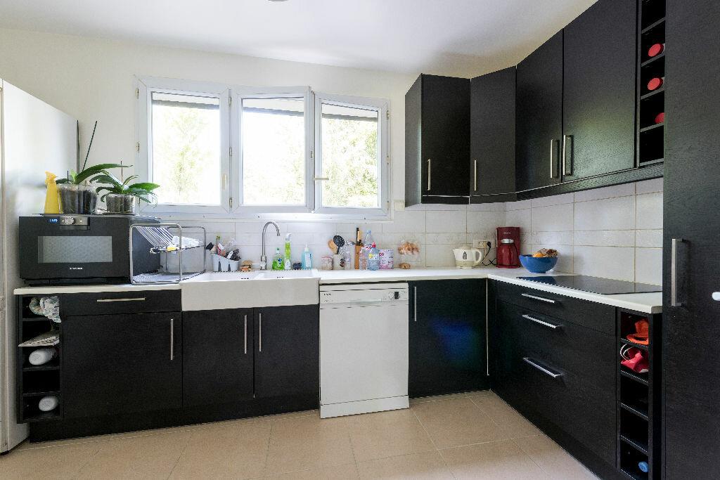 Achat Appartement 3 pièces à La Celle-Saint-Cloud - vignette-3