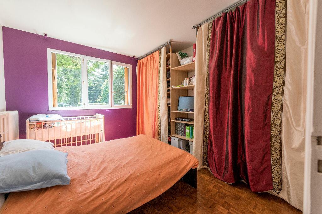 Achat Appartement 3 pièces à La Celle-Saint-Cloud - vignette-5