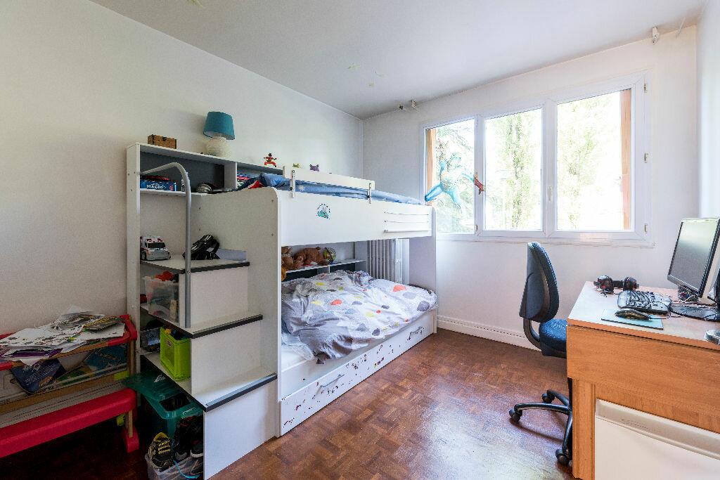 Achat Appartement 3 pièces à La Celle-Saint-Cloud - vignette-7