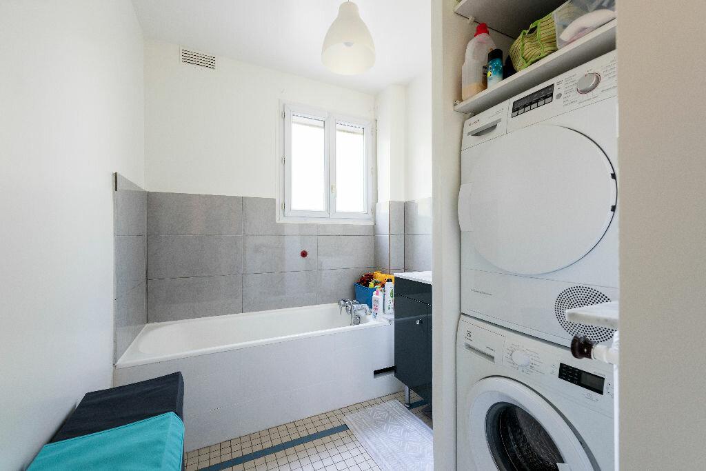 Achat Appartement 3 pièces à La Celle-Saint-Cloud - vignette-8