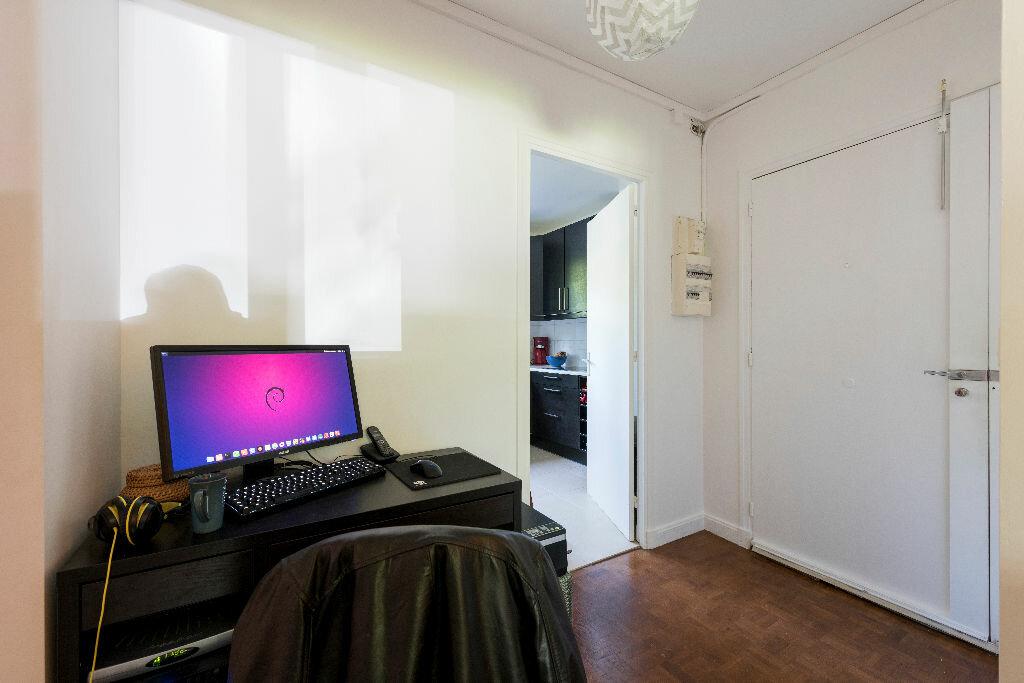 Achat Appartement 3 pièces à La Celle-Saint-Cloud - vignette-10