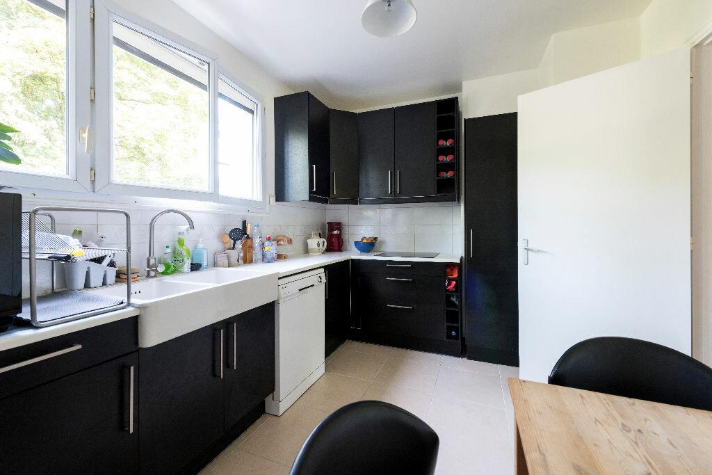 Achat Appartement 3 pièces à La Celle-Saint-Cloud - vignette-12