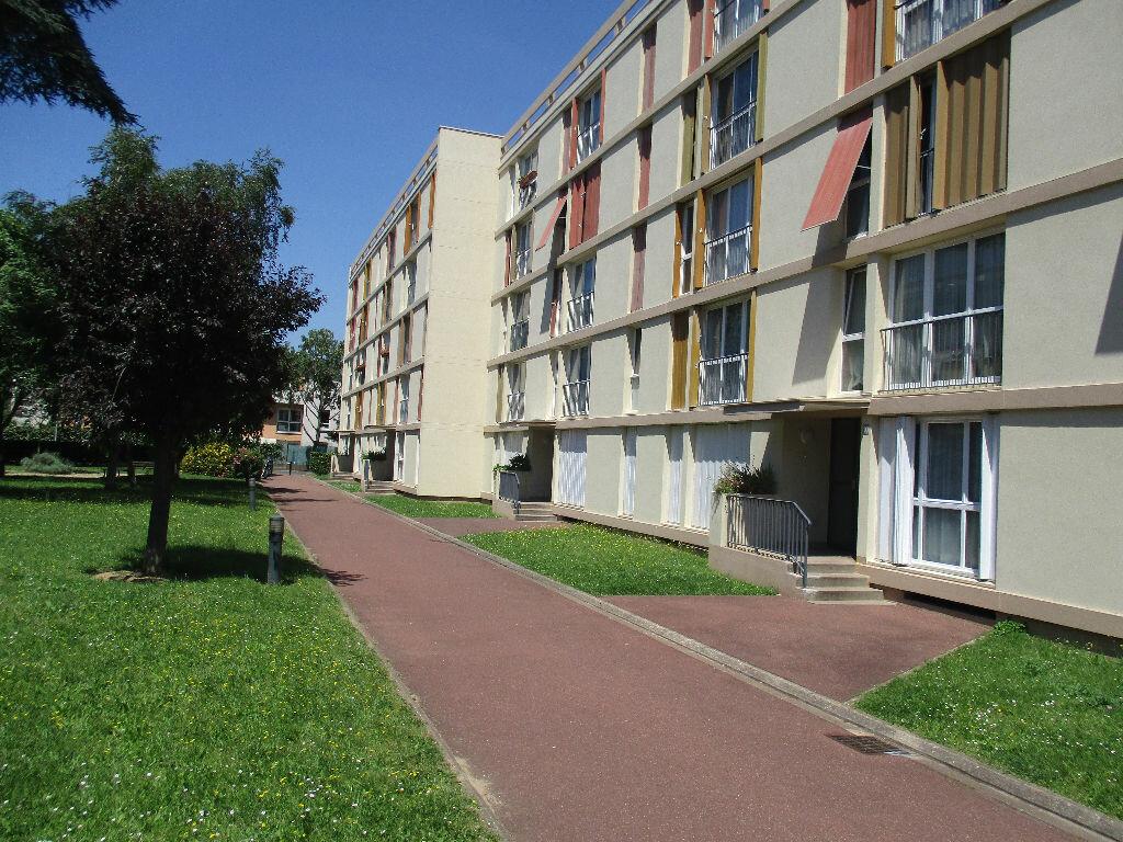 Achat Appartement 3 pièces à Vitry-sur-Seine - vignette-1