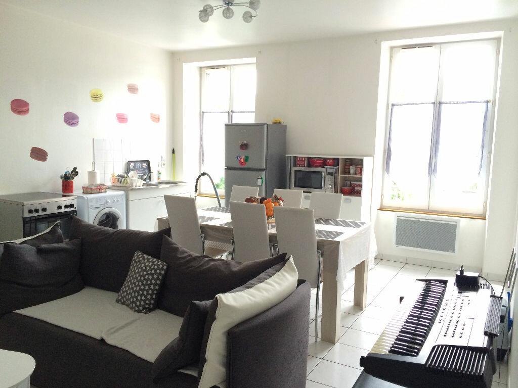Location Appartement 3 pièces à Trosly-Breuil - vignette-1