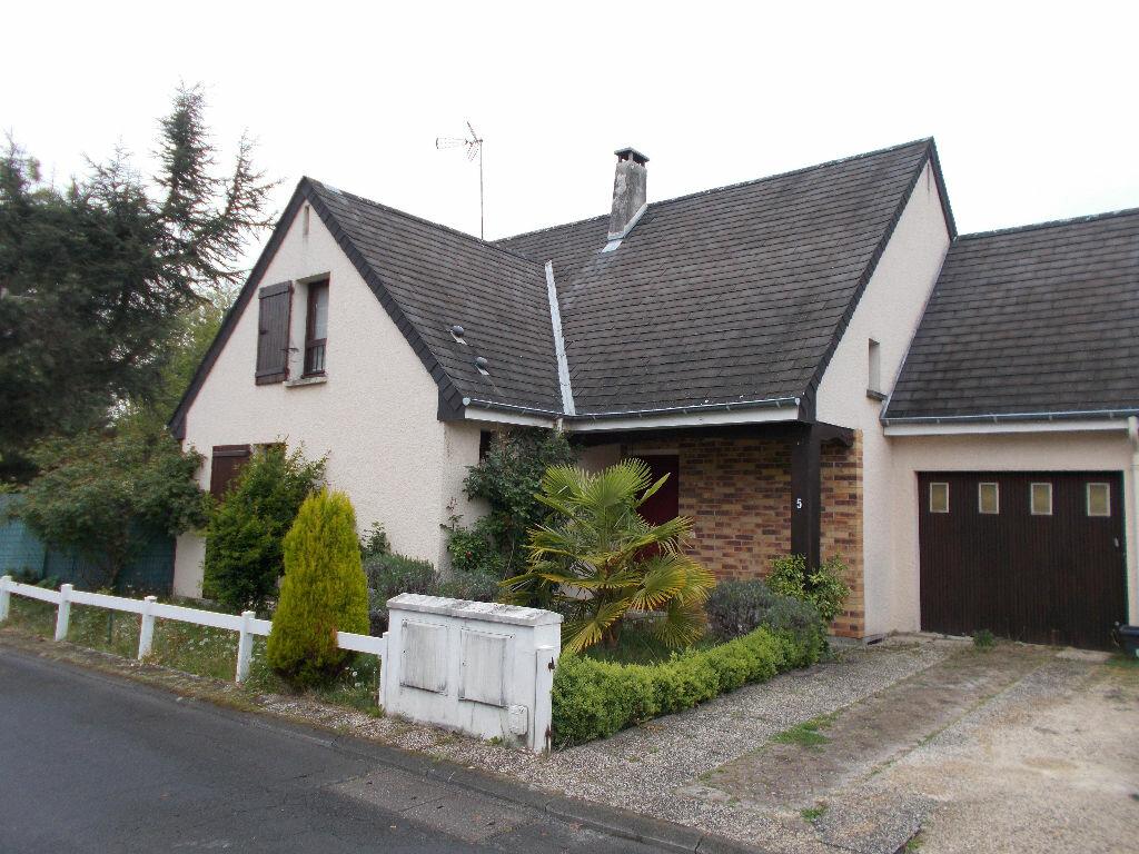 Location Maison 5 pièces à Compiègne - vignette-1