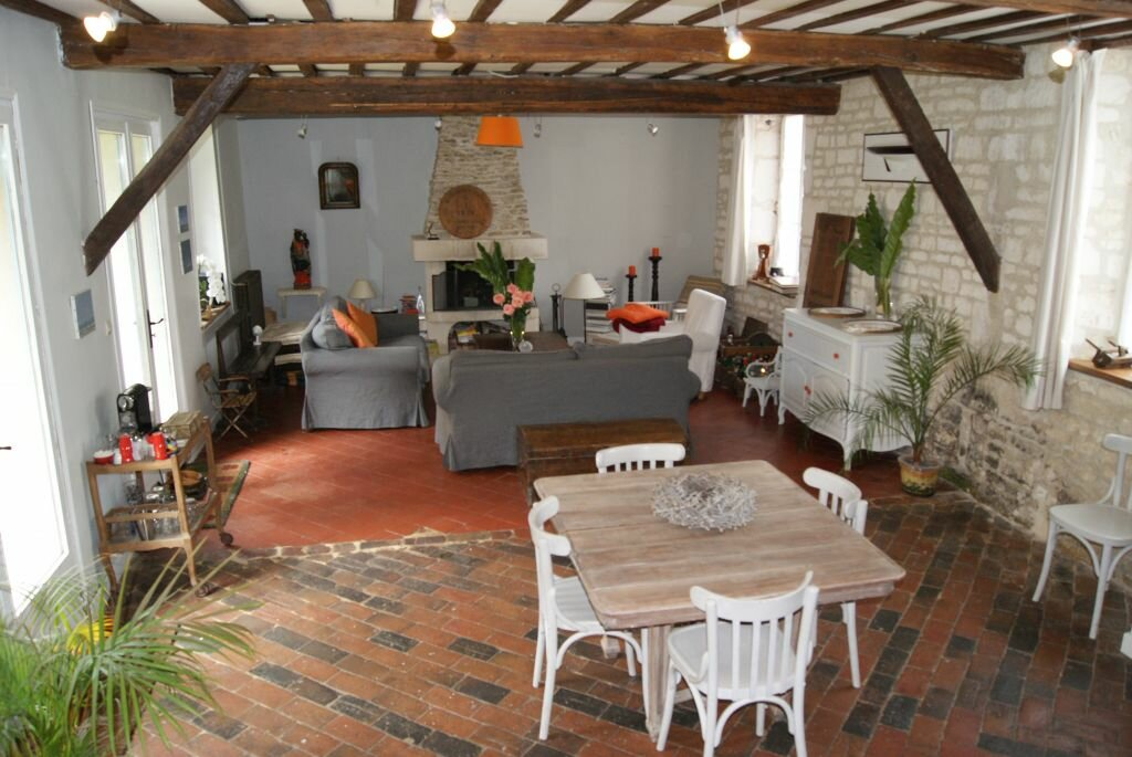 Location Maison 7 pièces à Pronleroy - vignette-1