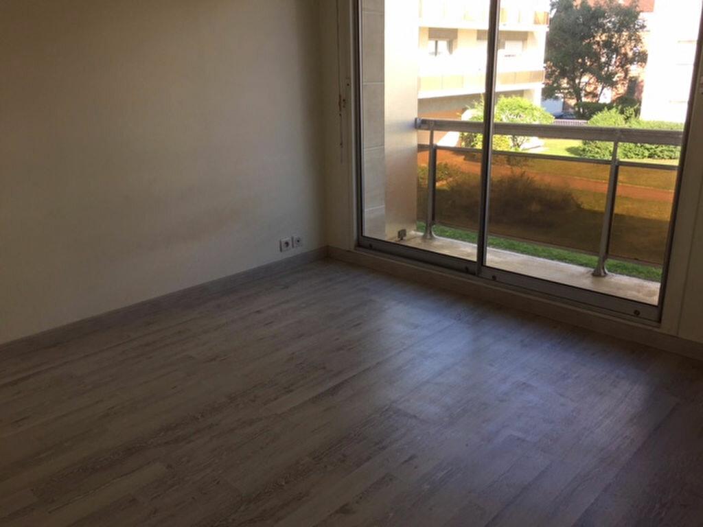 Location Appartement 1 pièce à Compiègne - vignette-2