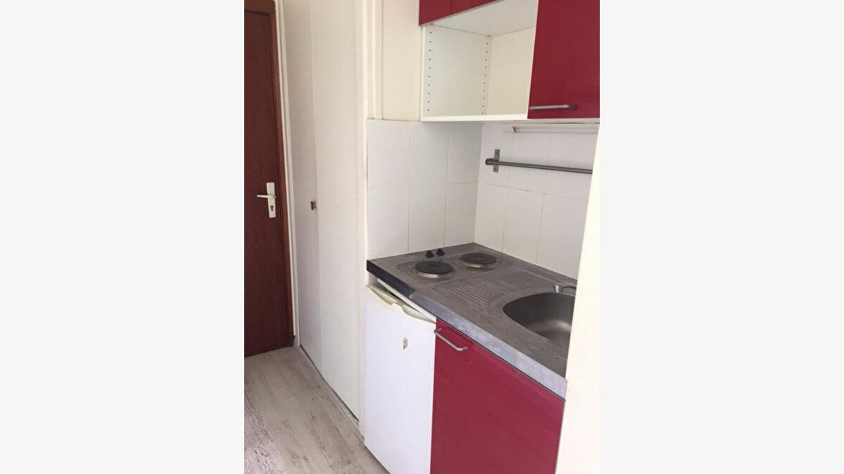 Location Appartement 1 pièce à Compiègne - vignette-4