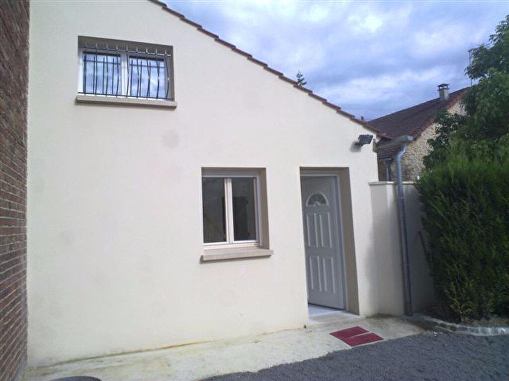 Location Appartement 2 pièces à Choisy-au-Bac - vignette-1
