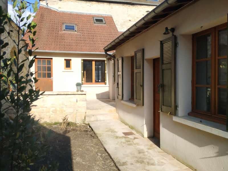 Location Maison 6 pièces à Compiègne - vignette-1