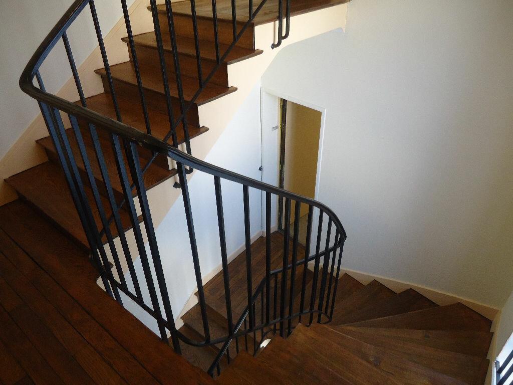 Location Appartement 4 pièces à Compiègne - vignette-7