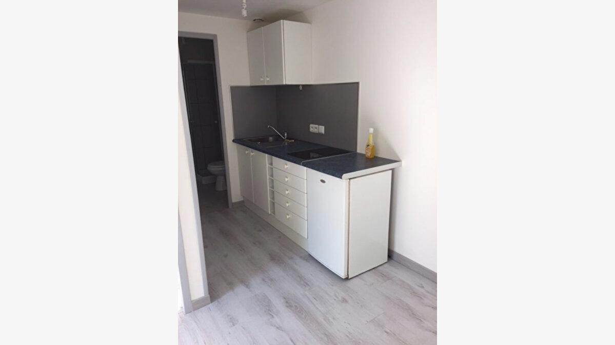 Location Appartement 1 pièce à Margny-lès-Compiègne - vignette-1