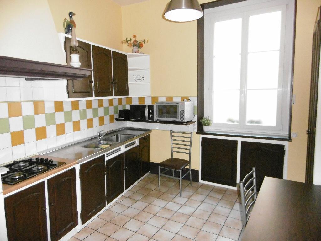 Achat Appartement 6 pièces à Compiègne - vignette-3