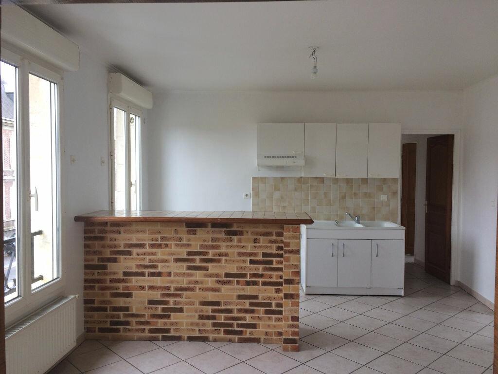 Location Appartement 4 pièces à Margny-lès-Compiègne - vignette-4