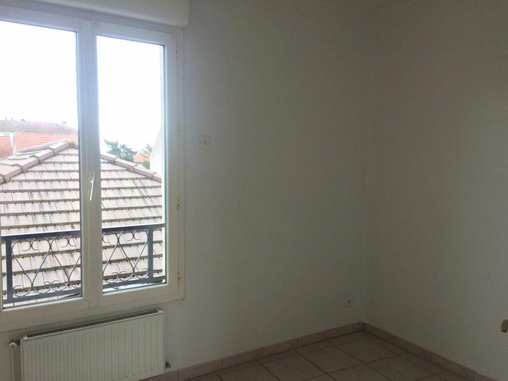 Location Appartement 4 pièces à Margny-lès-Compiègne - vignette-8