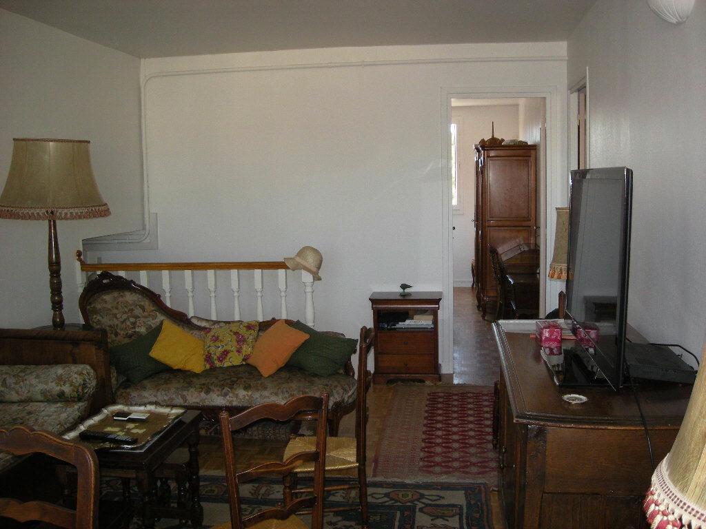 Achat Appartement 3 pièces à Marseille 4 - vignette-2