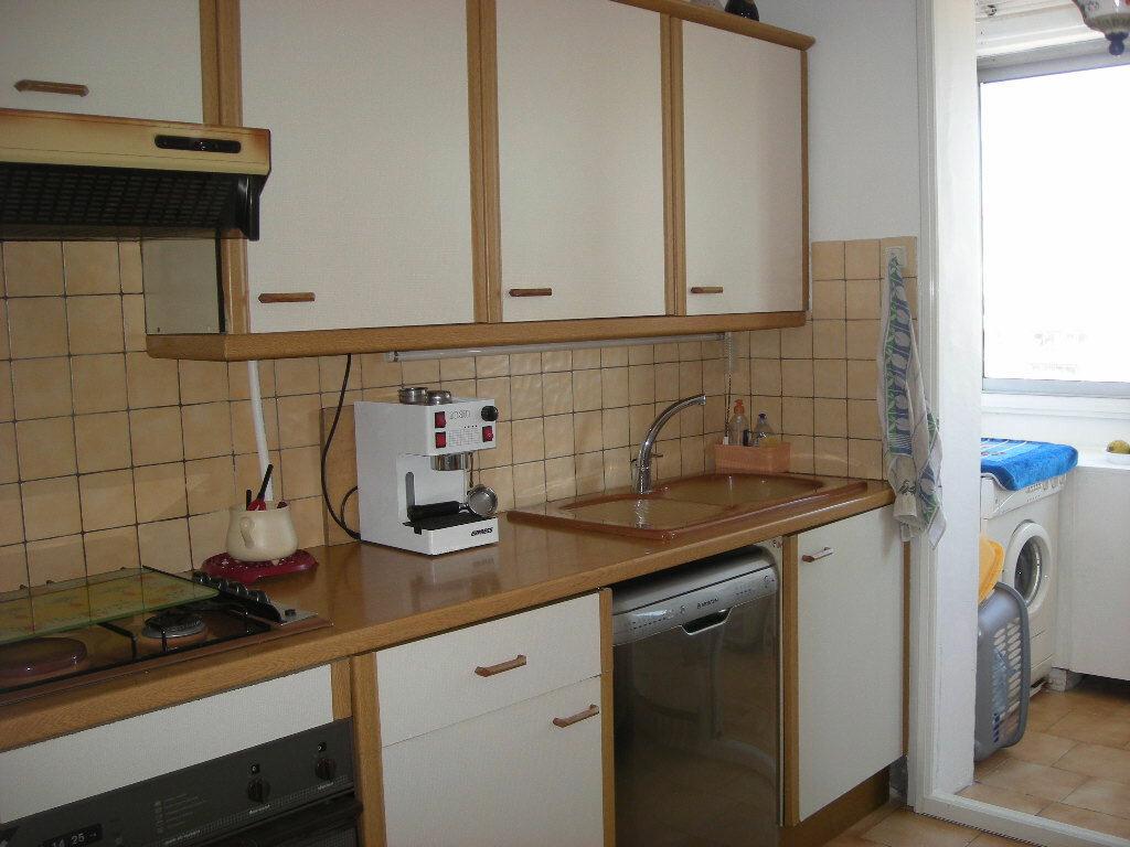 Achat Appartement 3 pièces à Marseille 4 - vignette-3