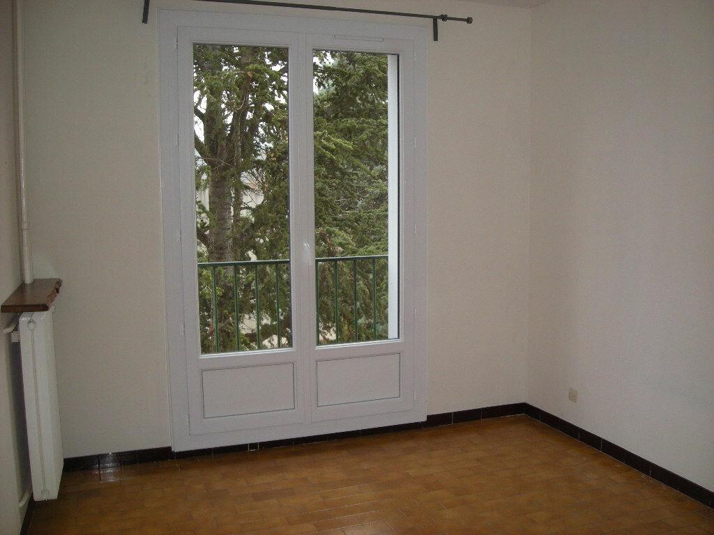 Achat Appartement 4 pièces à Gardanne - vignette-4