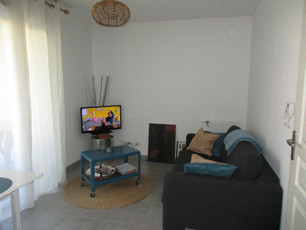 Achat Appartement 1 pièce à Bouc-Bel-Air - vignette-1