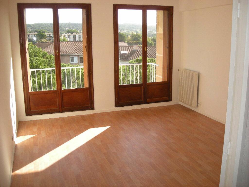 Achat Appartement 3 pièces à Gardanne - vignette-2
