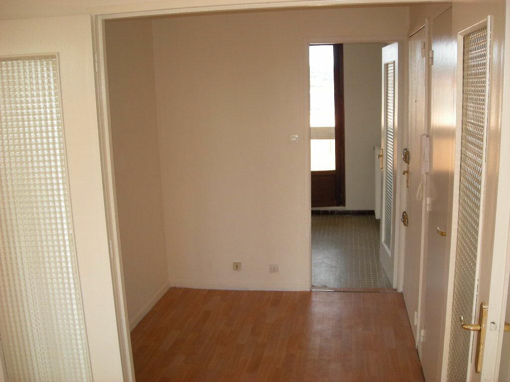 Achat Appartement 3 pièces à Gardanne - vignette-4