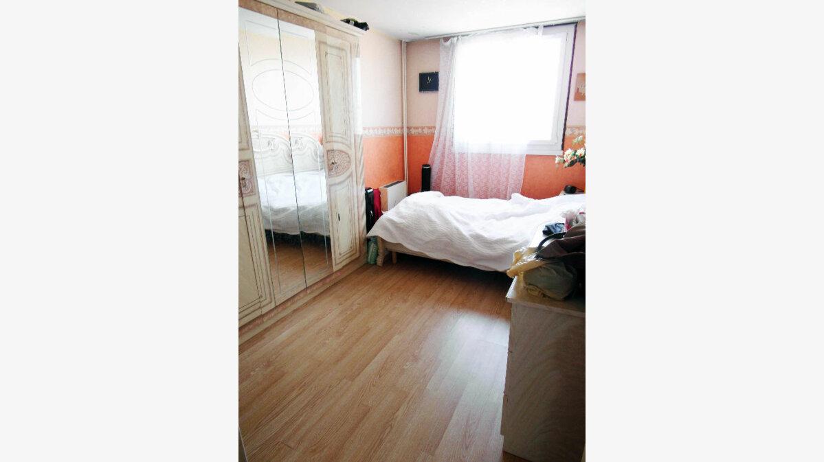 Achat Appartement 4 pièces à Pierrefitte-sur-Seine - vignette-11