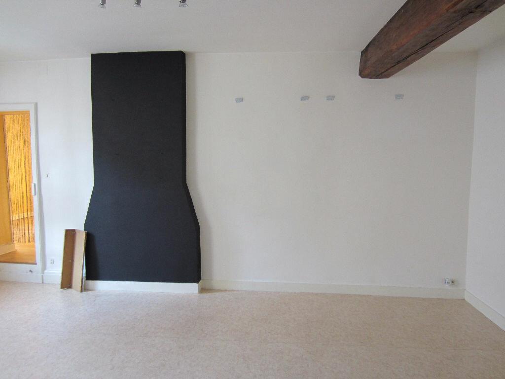Location Appartement 3 pièces à Romorantin-Lanthenay - vignette-3