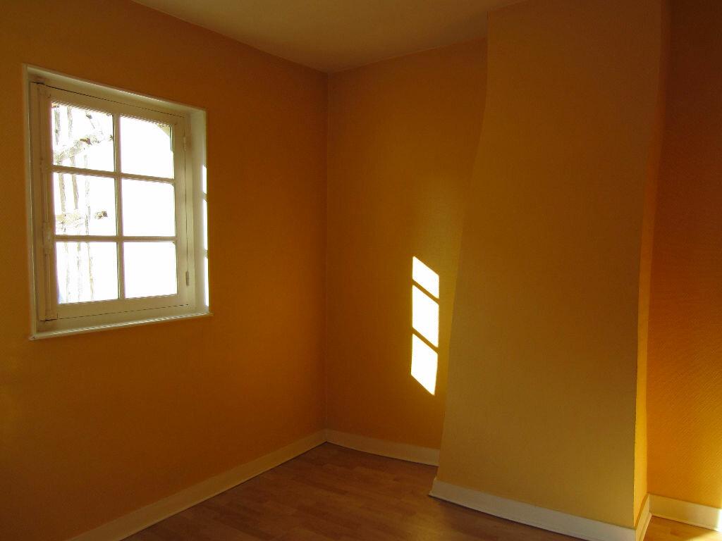 Location Appartement 3 pièces à Romorantin-Lanthenay - vignette-4