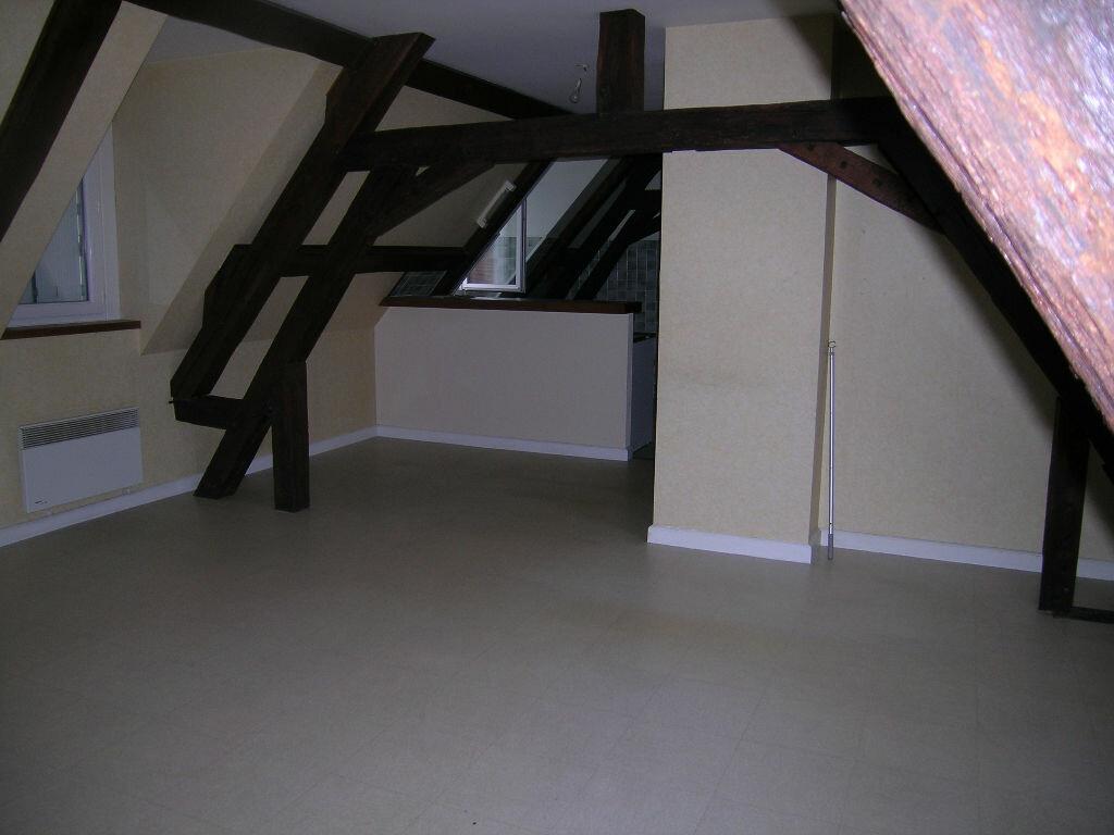 Location Appartement 3 pièces à Selles-sur-Cher - vignette-1