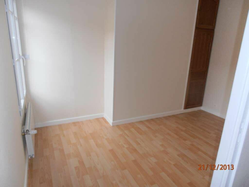 Location Appartement 3 pièces à Beauvais - vignette-1