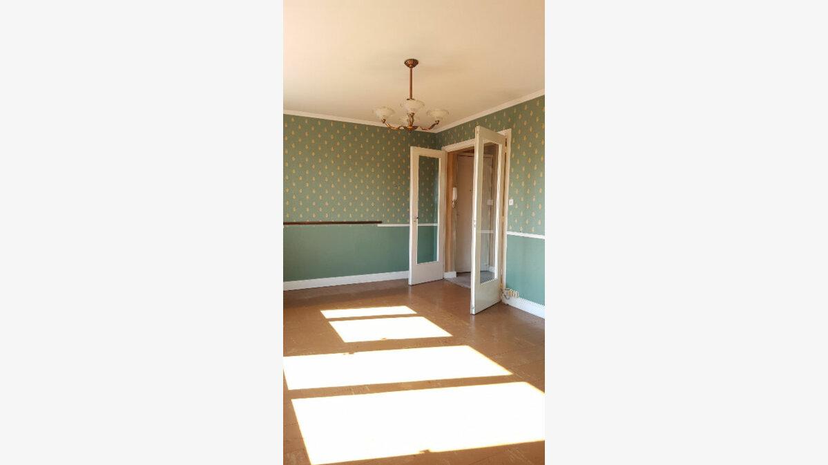 Achat Appartement 3 pièces à Auneuil - vignette-3