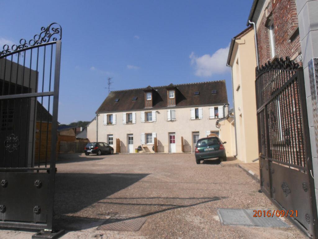 Location Appartement 2 pièces à Beauvais - vignette-1