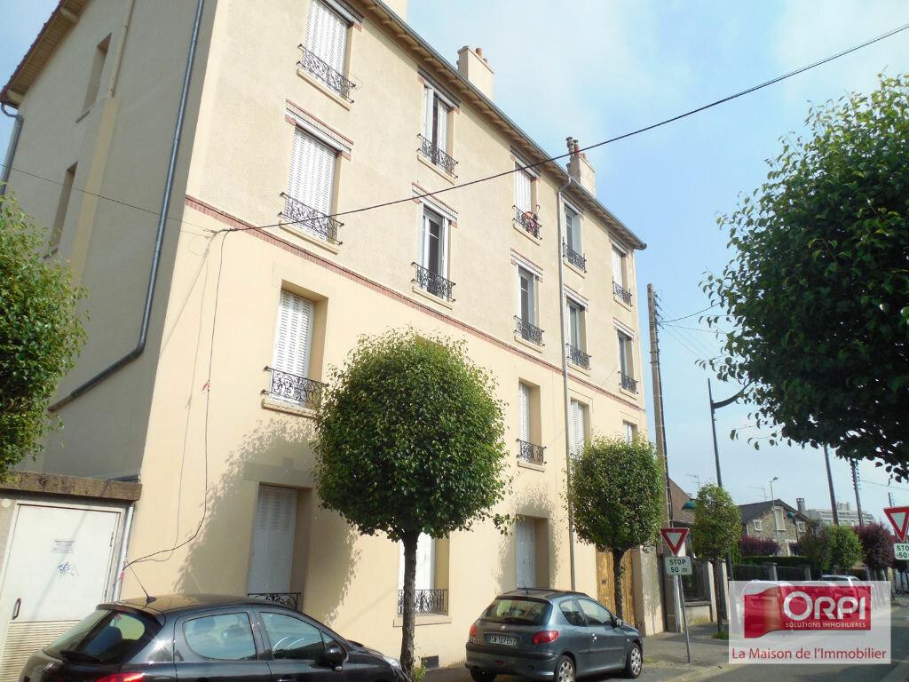 Location Appartement 2 pièces à Les Pavillons-sous-Bois - vignette-1