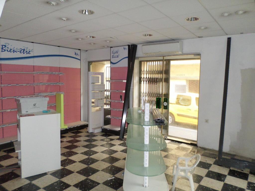 Achat Local commercial  à Sète - vignette-1