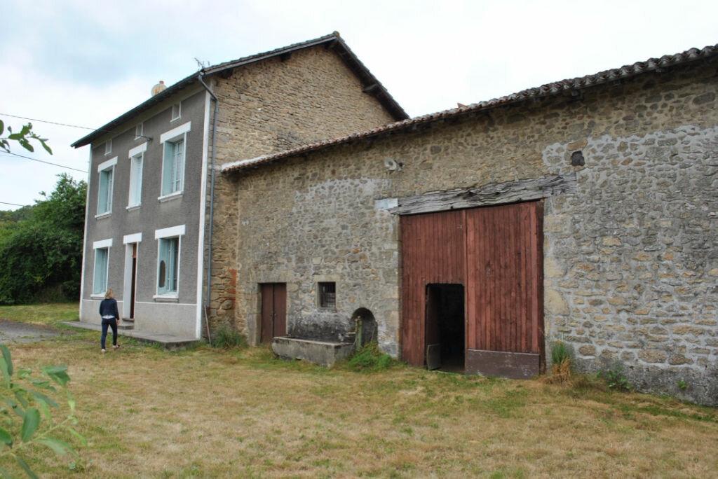 Achat Maison 5 pièces à Saint-Pardoux - vignette-1