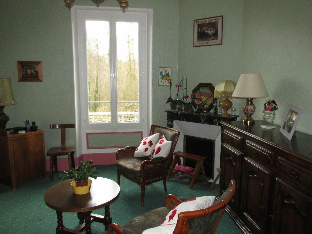 Achat Maison 8 pièces à Château-Renard - vignette-4