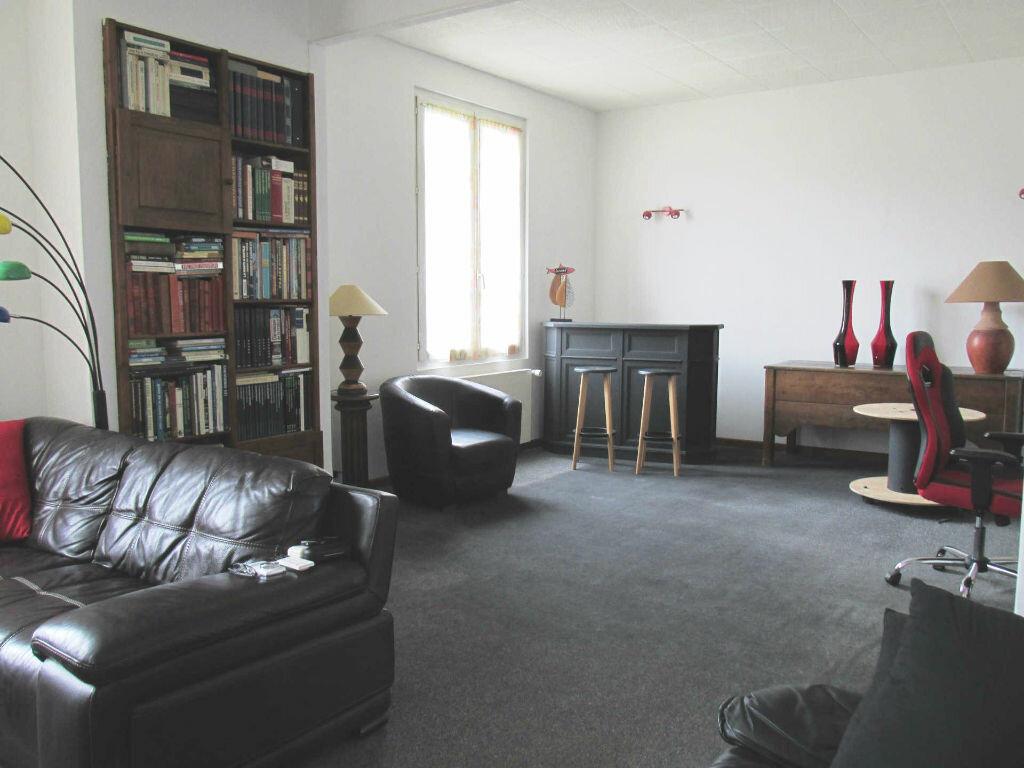 Achat Maison 7 pièces à Château-Renard - vignette-1