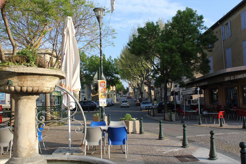 Achat Maison 5 pièces à Saint-Saturnin-lès-Avignon - vignette-1