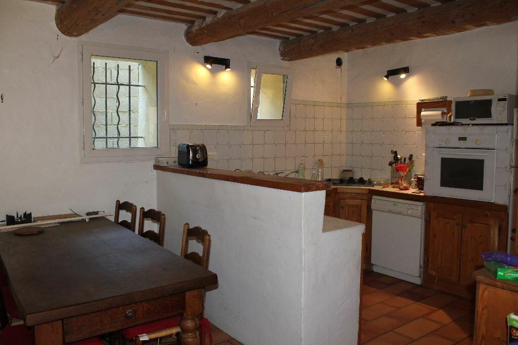 Achat Maison 5 pièces à Saint-Saturnin-lès-Avignon - vignette-6