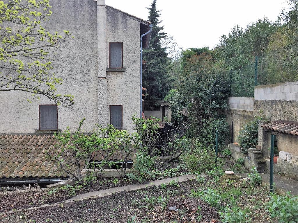Achat Maison 7 pièces à Saint-Saturnin-lès-Avignon - vignette-1