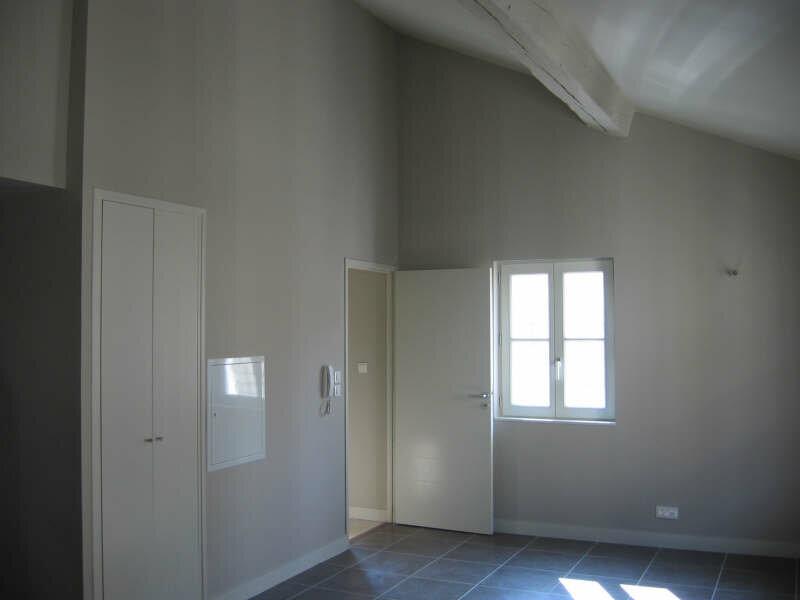 Location Appartement 3 pièces à Avignon - vignette-2