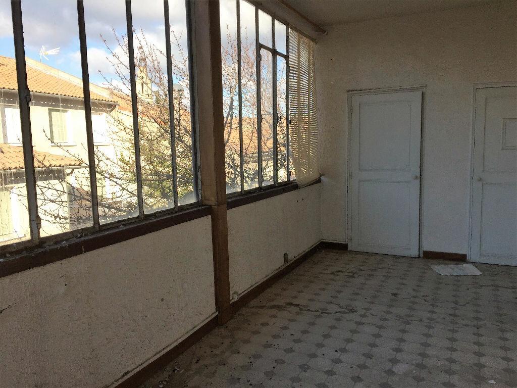 Achat Appartement 5 pièces à Avignon - vignette-2