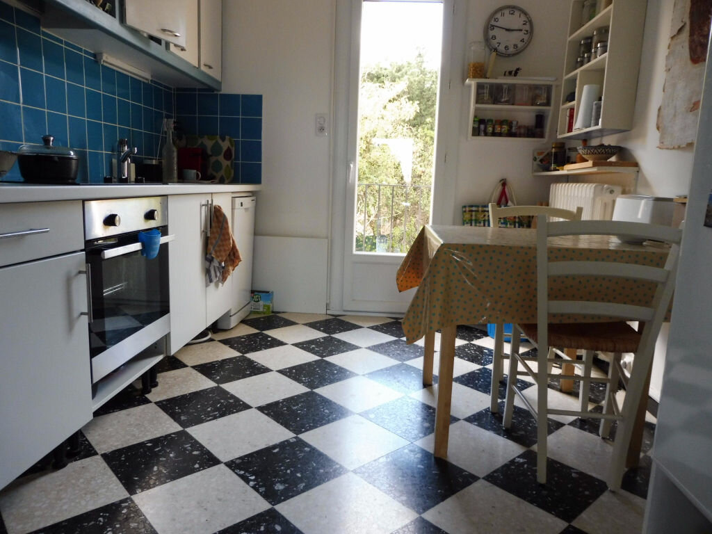 Achat Appartement 4 pièces à Villeneuve-lès-Avignon - vignette-4