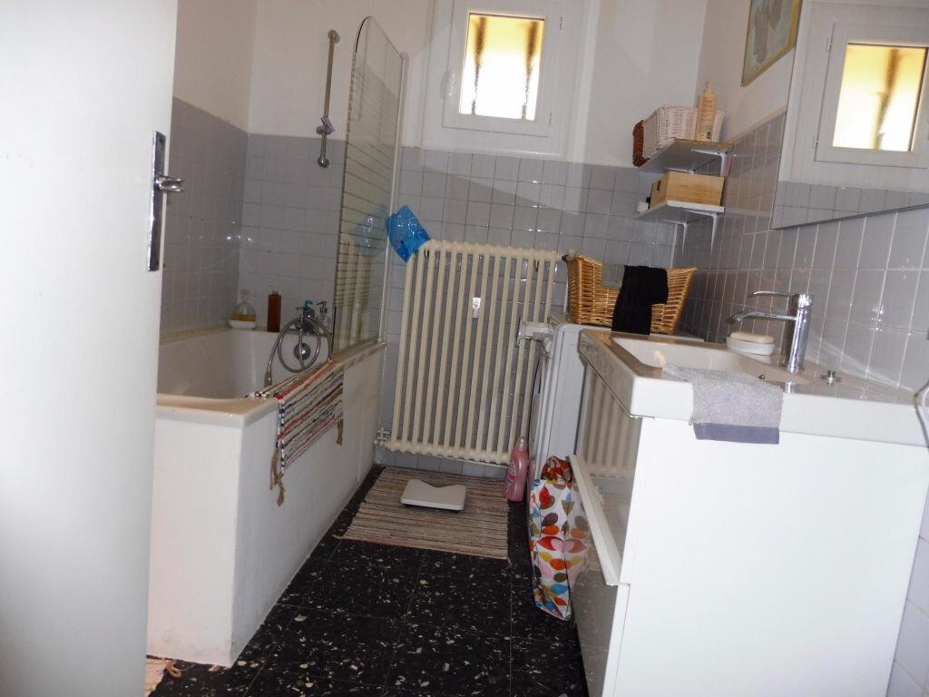 Achat Appartement 4 pièces à Villeneuve-lès-Avignon - vignette-5