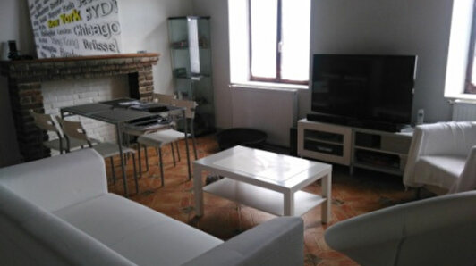 Location Appartement Serville