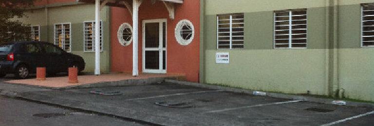 Location Local commercial  à Fort-de-France