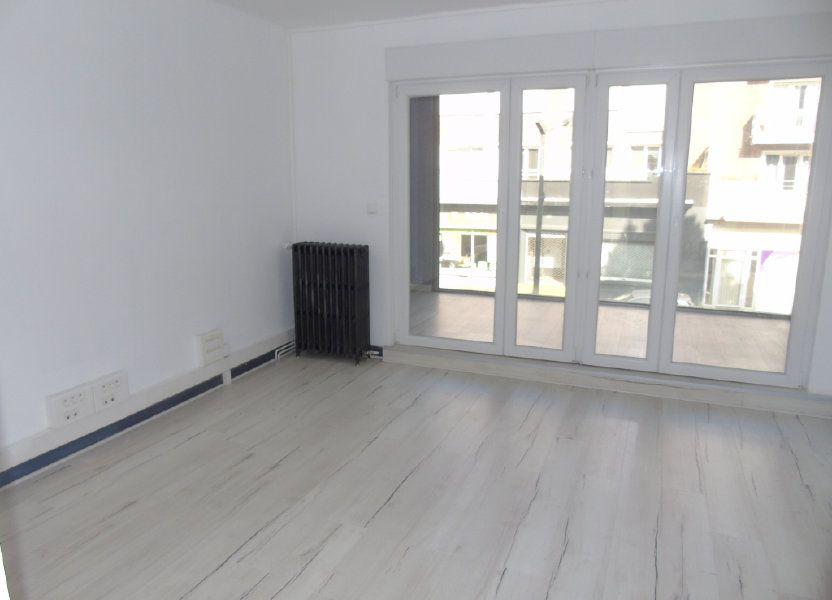 Appartement à louer 62.5m2 à Maubeuge