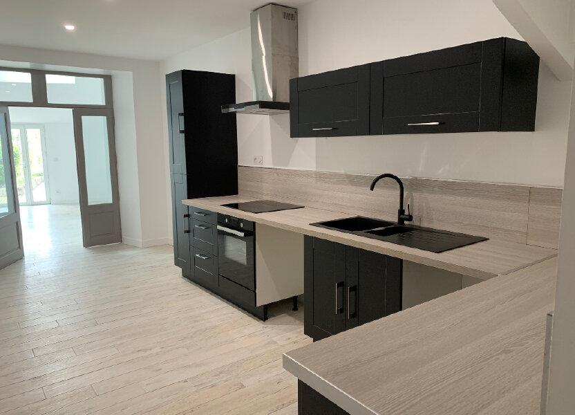 Maison à louer 135m2 à Saint-Savinien
